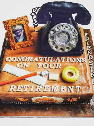 Retirement phone cake