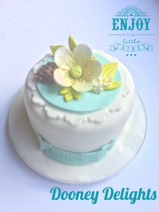 Small blue floral cake