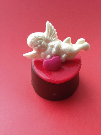 Valentine's Cupid mini chocolate biscuit cake